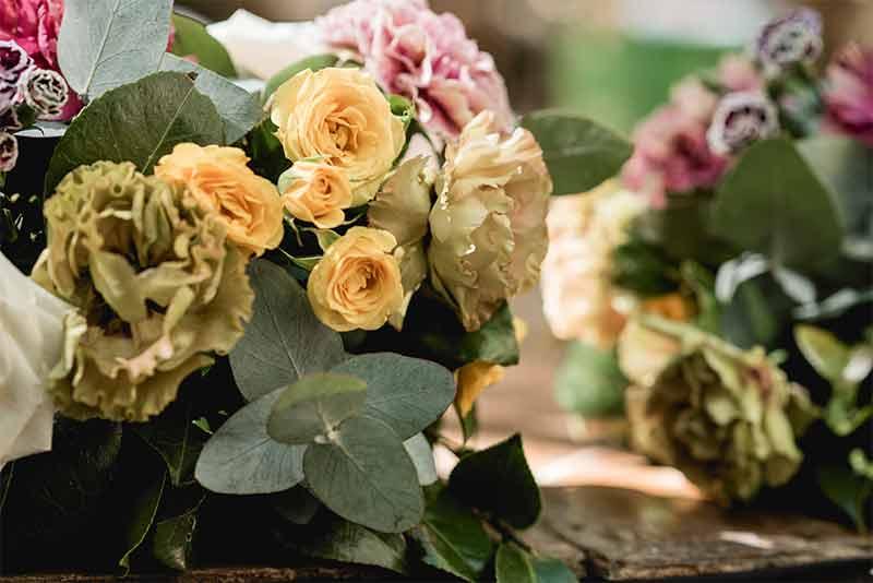 flores amarillas para boda