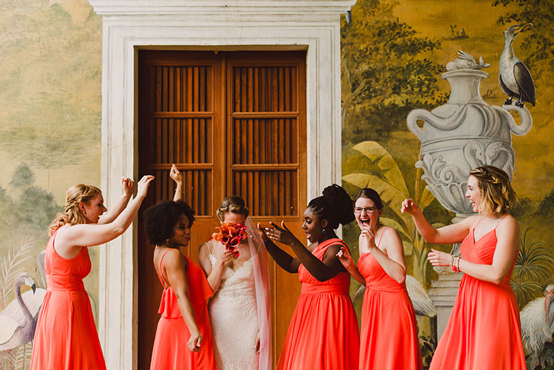 vestidos de dama en color naranja