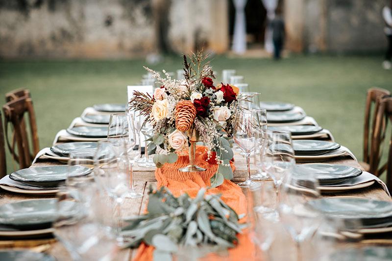 tableware en naranja para boda