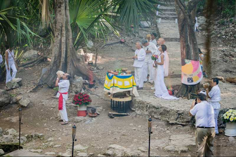 wedding in cenote