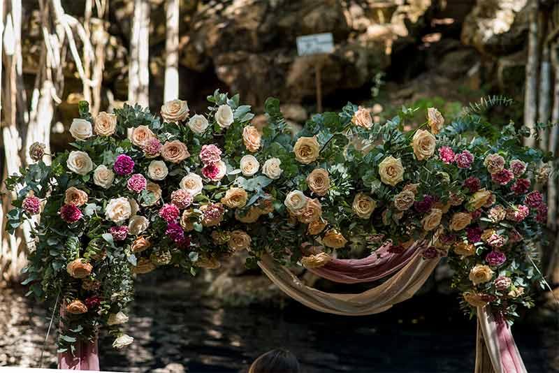 flores boda en cenote