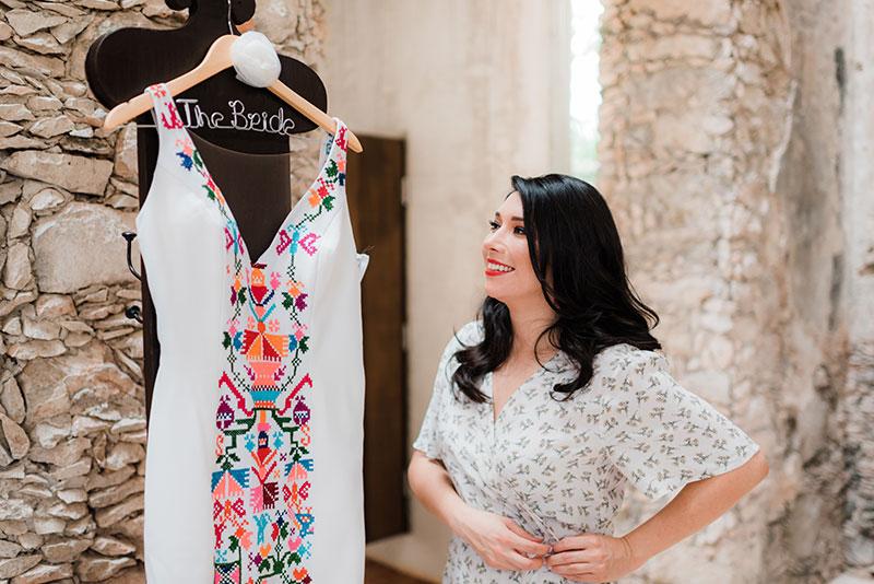 vestido de novia con detalles de bordados