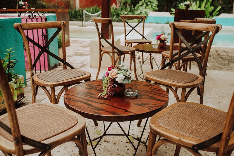 sillas e madera para boda coctel