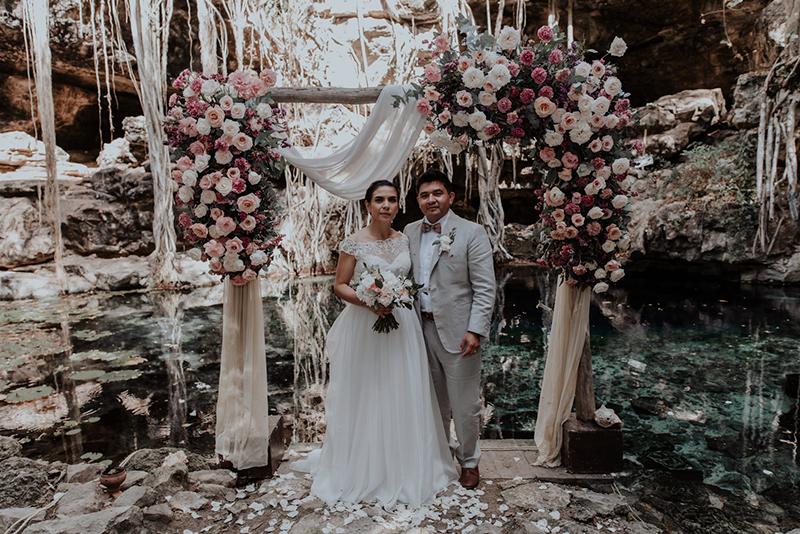Decoración floral en Cenote