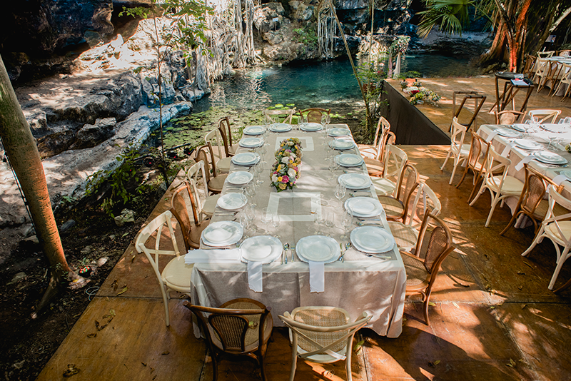 Mobiliario en Cenote
