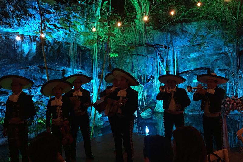 Mariachis para boda en cenote
