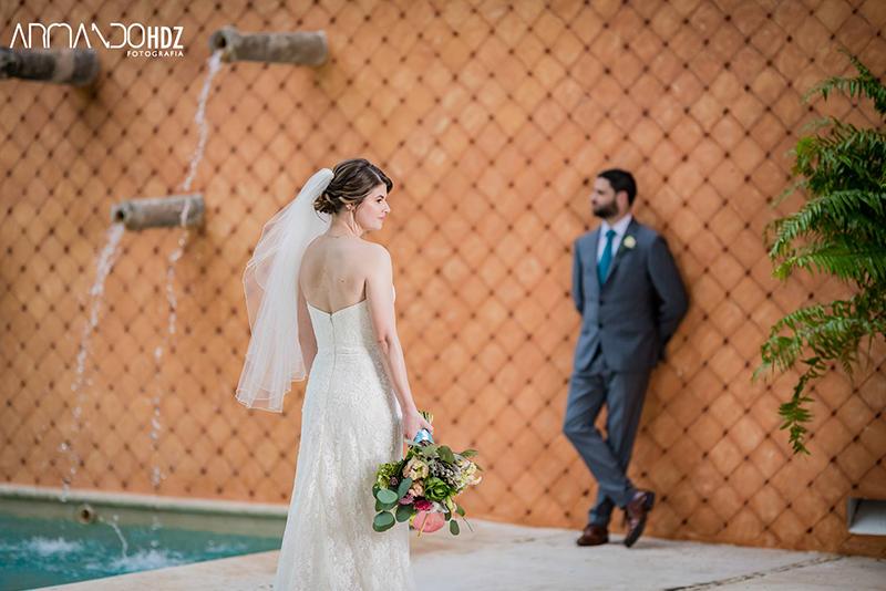 Bride and groom en Yucatán